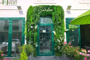 Façade-vegetale-restaurant-garden-boutique-magasin
